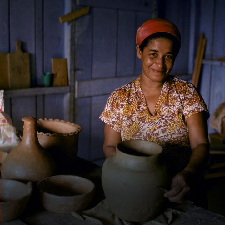 7b99824de894e68c1748bcaf956467f6f404d852   pottery woman s