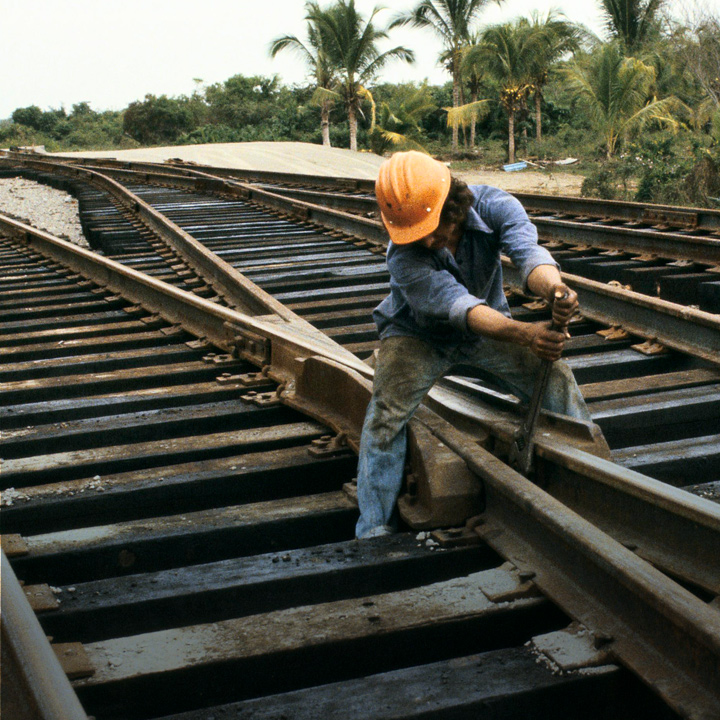 87e2792a17803c8f11755a83287c84fe13e9c287   train worker s