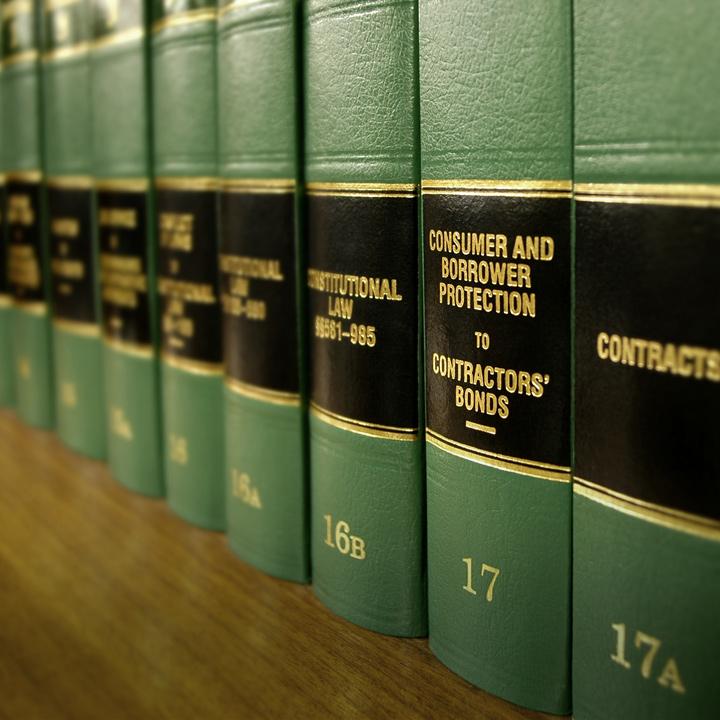 Bd1babbe82bda4067b848f7e686d79c149b97d8f   law books s
